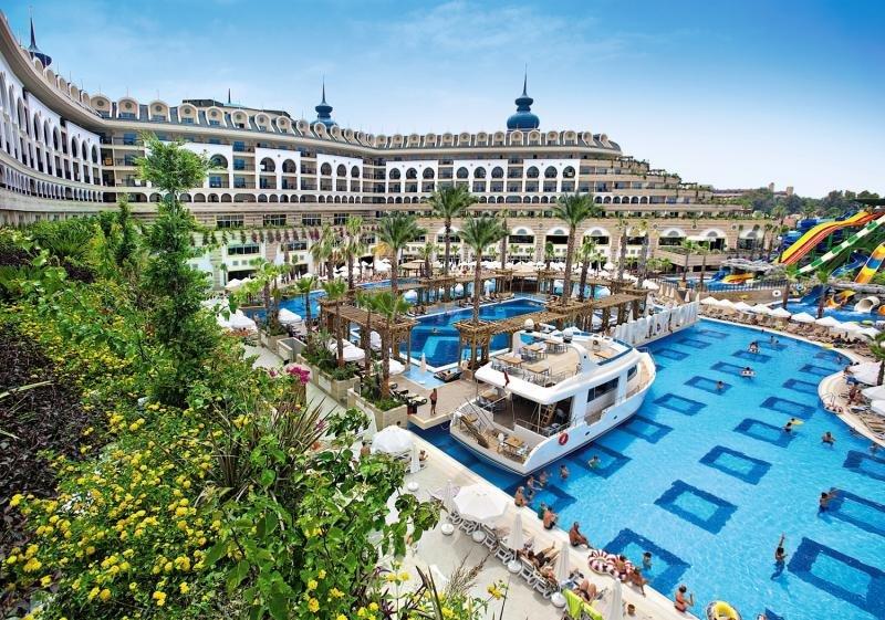Crystal Sunset Luxury Resort & SpaAuߟenaufnahme