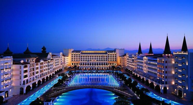Antalya - Lara Beach Kundu ab 496 € 3