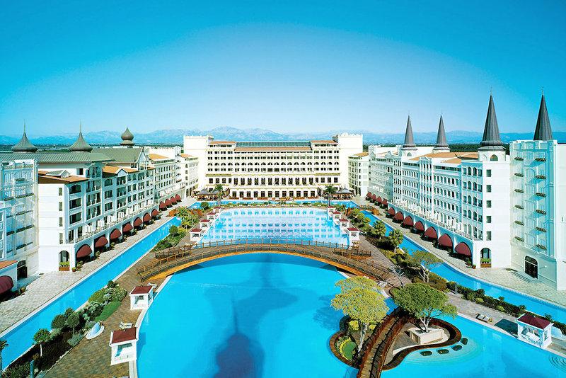 Antalya - Lara Beach Kundu ab 496 € 1