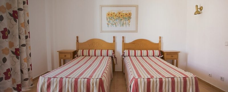 Hotel Apartamentos Mirachoro II in Portimão, Algarve W