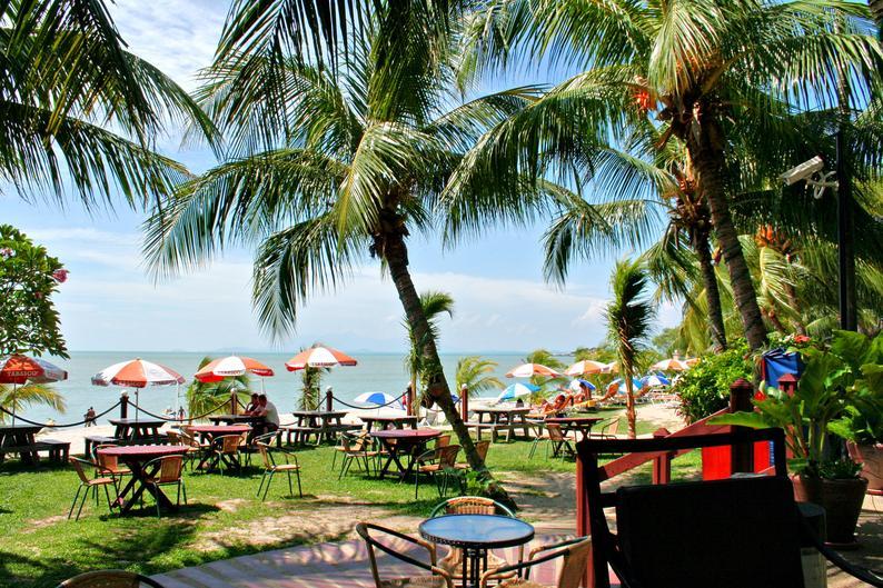 Rainbow Paradise Beach Resort in Tanjung Bungah, Malaysia - Pulau Penang GA