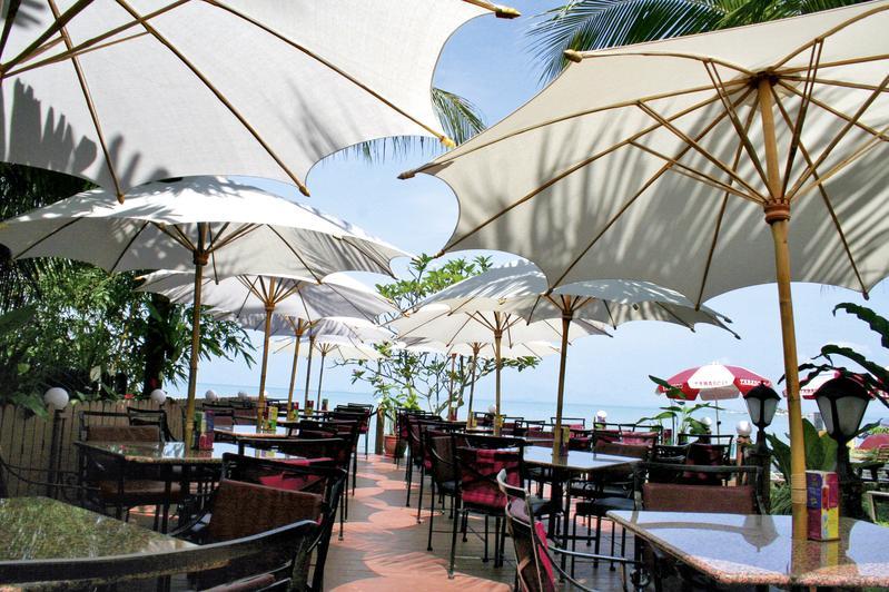 Rainbow Paradise Beach Resort in Tanjung Bungah, Malaysia - Pulau Penang