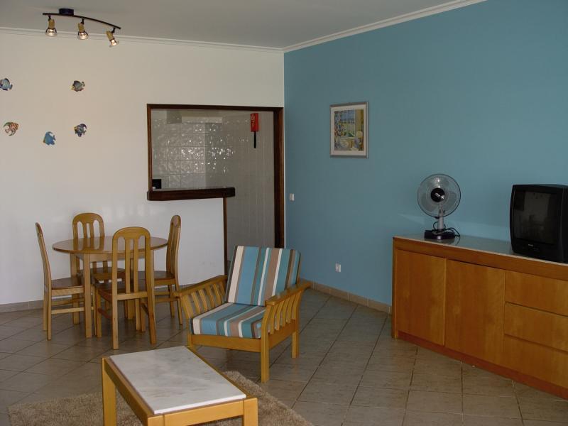Quinta das Figueirinhas in Porches, Algarve W