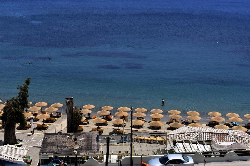 New Aegli Beach Hotel in Askeli, Poros (Saronische Inseln) A