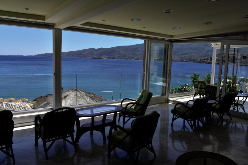 New Aegli Beach Hotel in Askeli, Poros (Saronische Inseln) TE