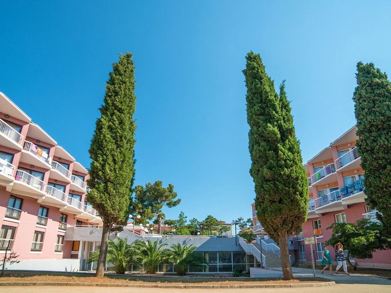 Centinera Resort