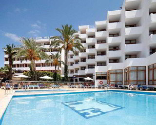 Hotel Tres Torres Pool