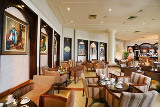 Hotel Charmillion Club Resort Bar