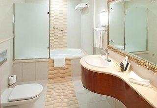 Hotel Holiday Inn Bur Dubai - Embassy District Badezimmer