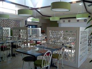 Hotel Lotus Bay Beach Resort Restaurant