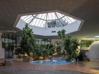 Hotel Eventhotel Pyramide Pool