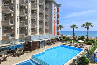 Hotel Monart City Pool