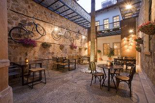 Hotel Alp Pasa Hotel Bar