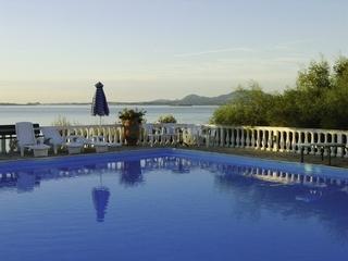 Hotel Nautilus Pool