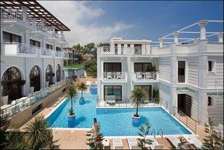 Hotel Royal Palace Resort & Spa Pool