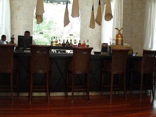 Hotel Casa Colonial Beach & Spa Bar