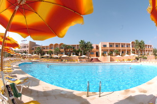 Hotel Comino Hotel & Bungalows Pool