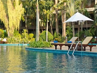 Hotel The Green Park Resort Pool