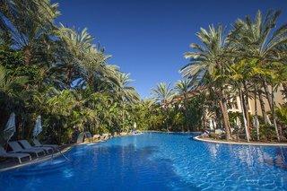 Hotel Lopesan Costa Bavaro Resort Spa & Casino Pool