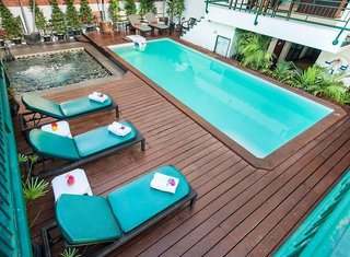 Hotel Pinnacle Lumpinee Park Pool