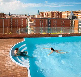 Hotel Senator Barcelona Spa Pool