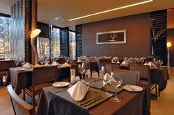 Hotel Aqua Pedra Dos Bicos - Erwachsenenhotel Restaurant