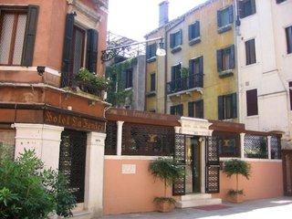 Hotel La Fenice et Des Artistes Außenaufnahme