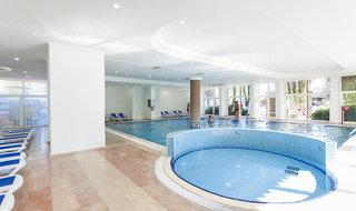 Hotel Nova Park Pool
