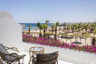 Hotel Lotus Bay Beach Resort Wohnbeispiel