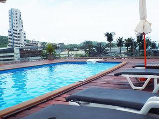 Hotel Days Inn Patong Beach Außenaufnahme