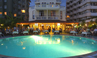 Hotel Azak Pool