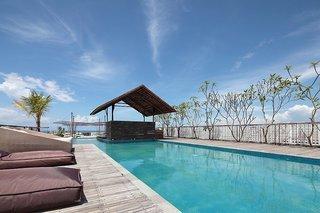 Hotel The Akmani Legian Pool