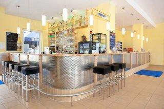 Hotel a&o München Laim Bar