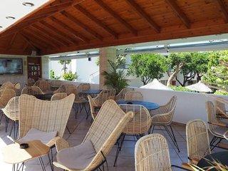 Hotel Kyknos Beach Hotel & Bungalows Terasse