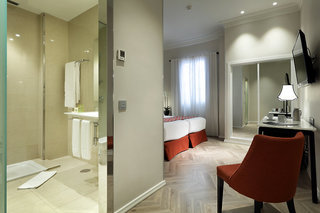 Hotel Eurostars Regina Badezimmer