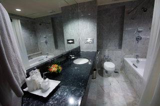 Hotel Patong Resort Badezimmer