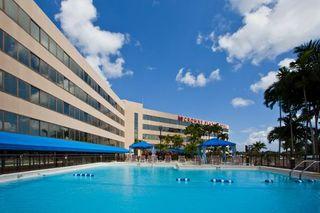 Hotel Crowne Plaza Miami International Airport Pool