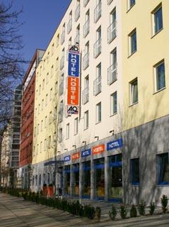 Hotel a&o Berlin Hauptbahnhof Außenaufnahme