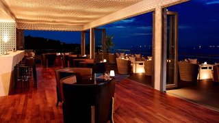 Hotel Cape Sienna Bar