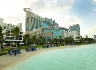Hotel Beach Rotana Abu Dhabi Außenaufnahme