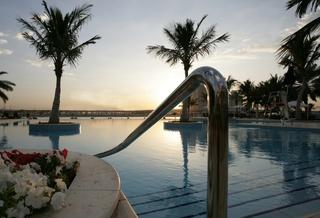 Hotel Beach Rotana Abu Dhabi Pool