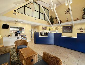 Days Inn Cocoa Beach Port Canaveral Lounge/Empfang