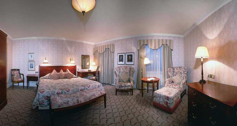 Hotel Bristol, a Luxury Collection Hotel Wohnbeispiel