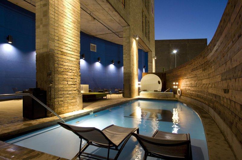 Aloft Dallas Downtown Pool
