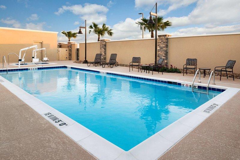 Hampton Inn & Suites Corpus Christi Pool