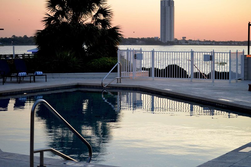 Hilton Houston NASA Clear Lake Pool