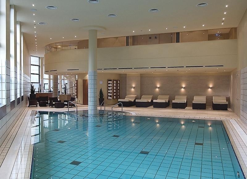 Sheraton Berlin Grand Hotel EsplanadePool