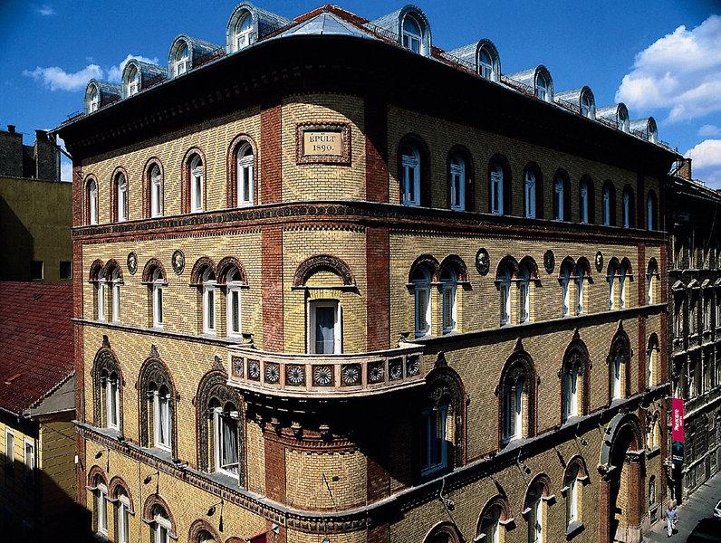 Hotel Museum Budapest Außenaufnahme