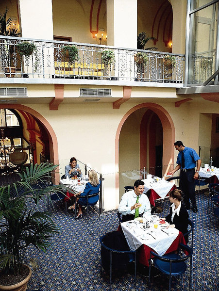 Hotel Museum Budapest Restaurant