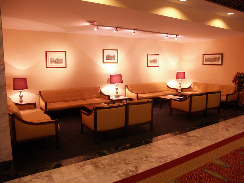 Bedford Hotel & Congress Centre Lounge/Empfang